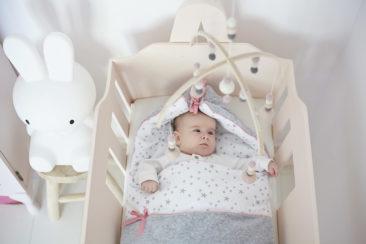 "<a href=""http://colorstories.pl/kategoria-produktu/kocyki/http://colorstories.pl/kategoria-produktu/rozki-i-spiworki/"">Śpiworek niemowlęcy MilkyWay Peach</a>"